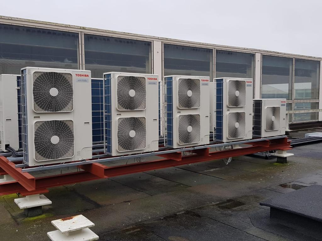 Outdoor air conditioning installation