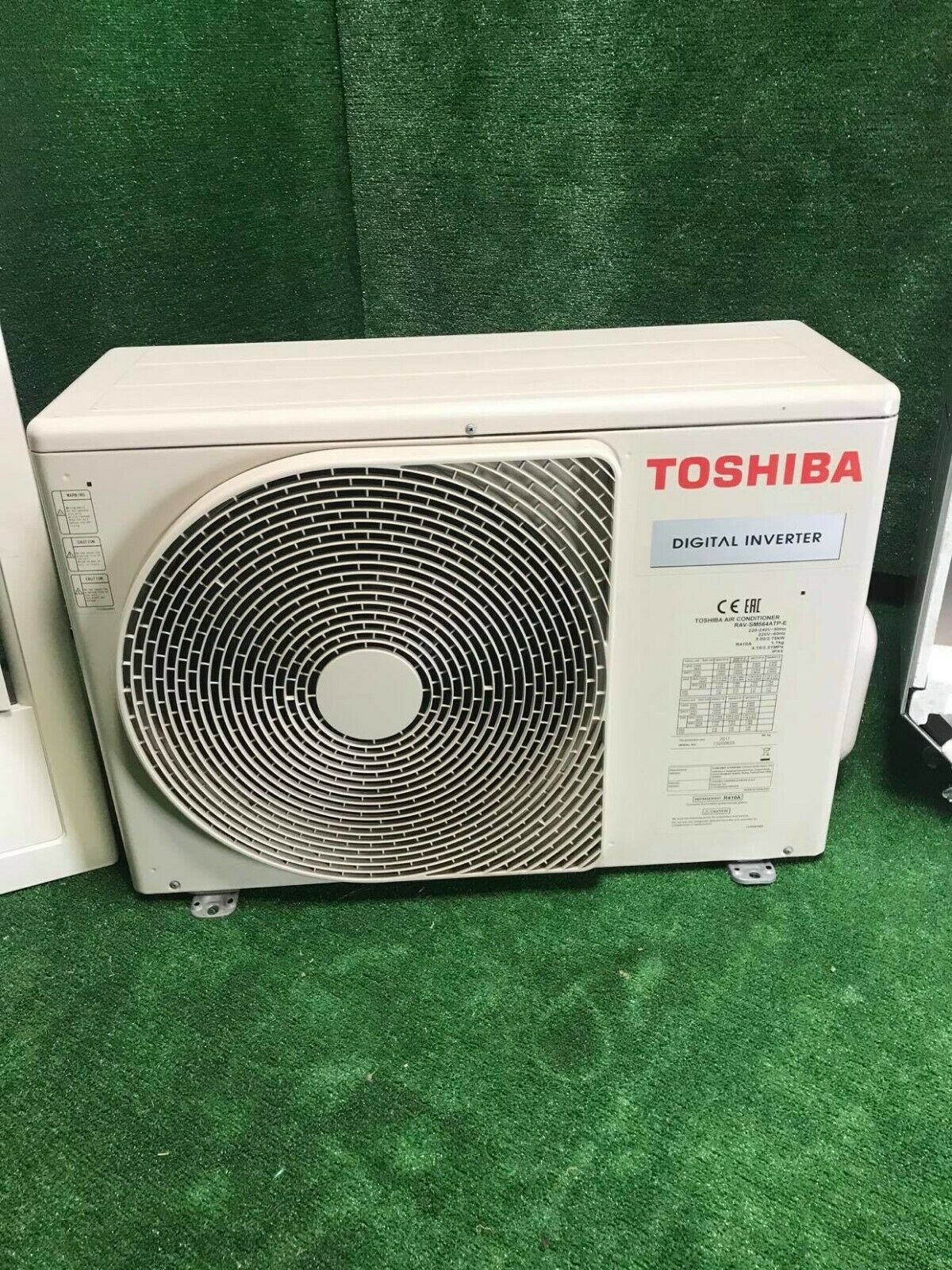 toshiba reconditioned outdoor air conditioning unit